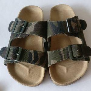 🇨🇦 3/$25 Joe Fresh flip-flops size 12